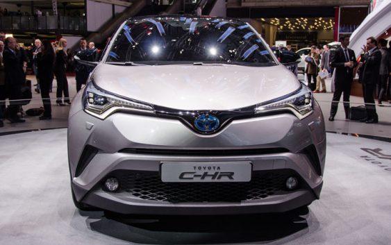 Дах Toyota Prius дозволить заряджати гаджети