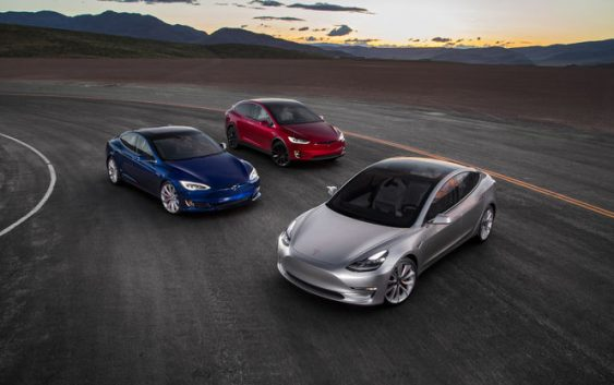 Tesla стала абсолютним лідером продажів електрокарів