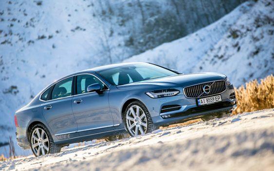 Оновлений Volvo S90