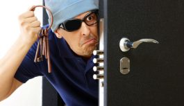 Как защитить свою квартиру от взлома