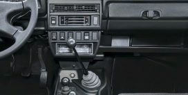 Названі лідери продажів автомобілів з «механікою»