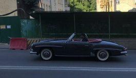 У Києві помічений раритетний родстер Mercedes 50-х