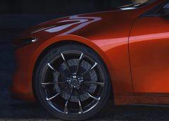 Нову Mazda 3 покажуть в листопаді