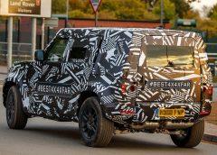 В шпигунські об'єктиви потрапив новий Land Rover Defender